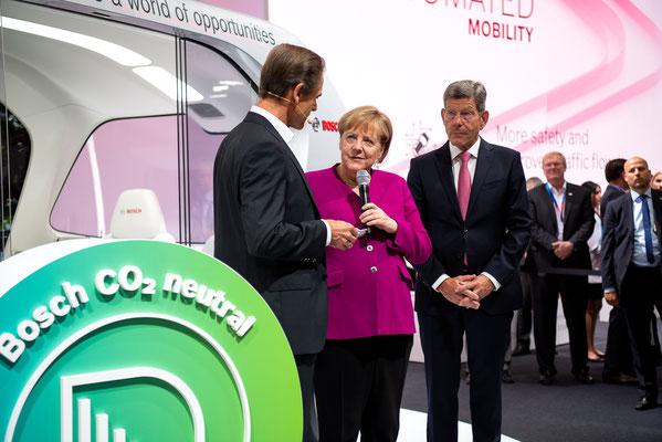 Presserundgang mit Bundeskanzlerin Angela Merkel © mainhattanphoto/Friedhelm Herr