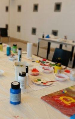 -Malevents-Malworkshop-kreativ-sein-in-der-Gruppe-Work-Life-Balance-Rheingau-Hessen-Malwerkstatt-Erwachsenenbildung
