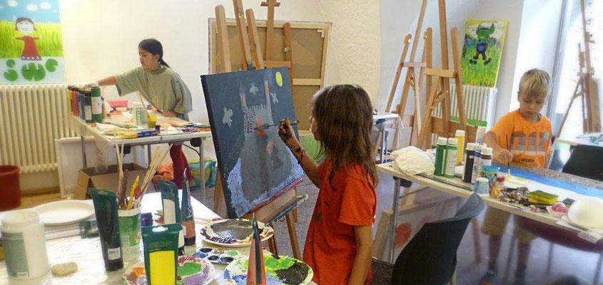 Malen-an-der staffelei-Kinder-Jugendliche-Marion-Haas-Atelier-