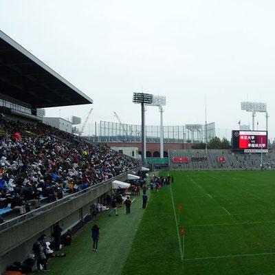 注目の一戦ゆえ、秩父宮ラグビー場には多くのファンが来場