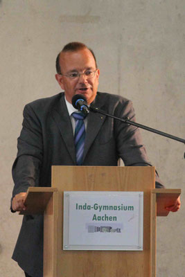 Begrüßung der Fünft-Klässler durch Herrn OSTD A. Bierganz
