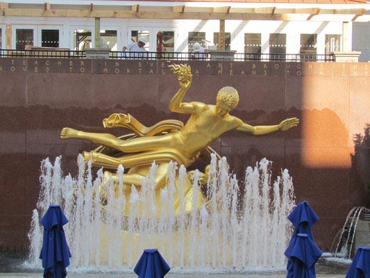"""Prometheus"" am Sunken Plaza"