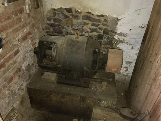 alter Antriebsmotor