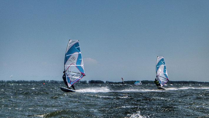 Windsurfer auf Wieker Bodden, Dranske