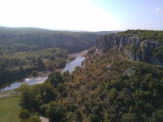 Balazuc - Ardèche - Falaises côté Viel Audon