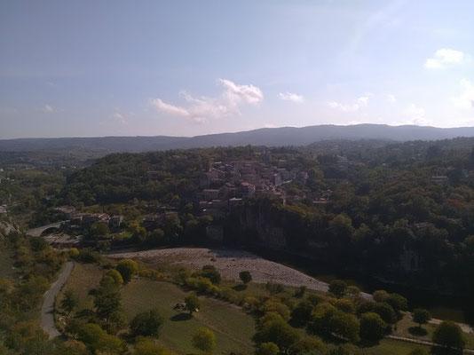 Le village vu de la tour Reine Jeanne