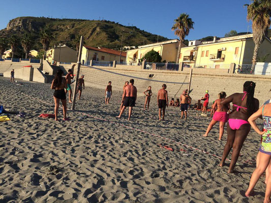 Torneo di Beach Volley allo stabilimento balneare Crazy Beach