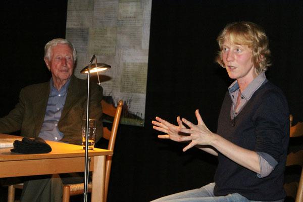 Mit Carl Osterwald, Gedenkverein Engerhafe, bei der Lesung im September 2014