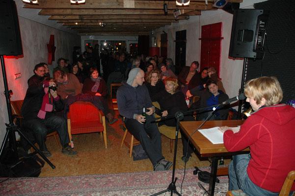 Eine erste große Lesung, Kuß Rosa Bremen, Februar 2011