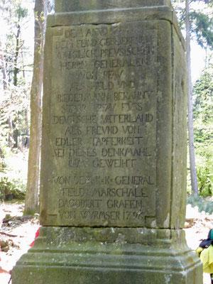 Denkmal für den hier im Jahr 1794 gefallenen preußischen General Pfau