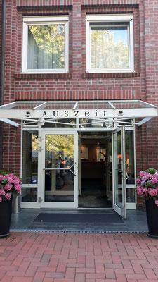Unsere Auszeit im Auszeit-Hotel ist zu Ende. Vielen Dank für die aufmerksame und liebenswürdige Betreuung.