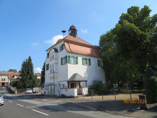 das ehem. Schul- und Rathaus in Rödgen