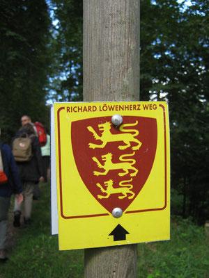 Wegzeichen des Richard-Löwenherz-Weg