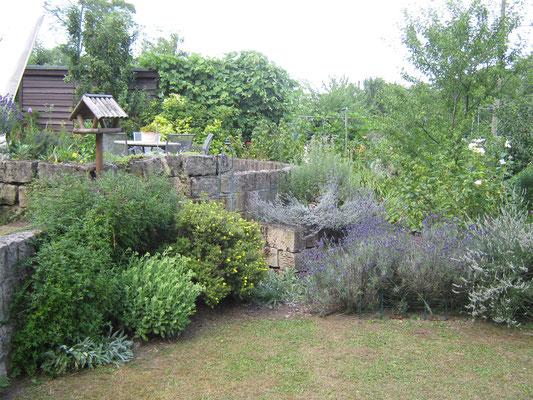 Die Gärten und vor allem die Hütten wurden von Ernst May konzipiert. Die Anlage steht unter Denkmalschutz.