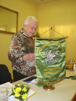 Ilse Steinhäußer beim Vortrag des Rechenschaftsberichts