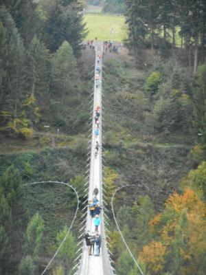 Die Geierlay-Hängebrücke ist ein Touristenmagnet für die Hunsrück-Region