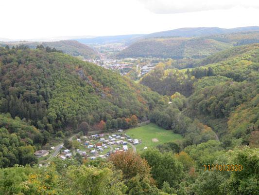Blick von Schloss Dhaun ins Kellenbachtal Richtung Simmertal