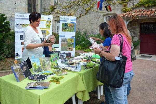 Au stand de Deux-Sèvres Nature Environnement