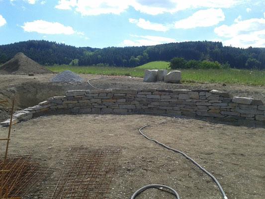 Fertigstellung Trockensteinmauer