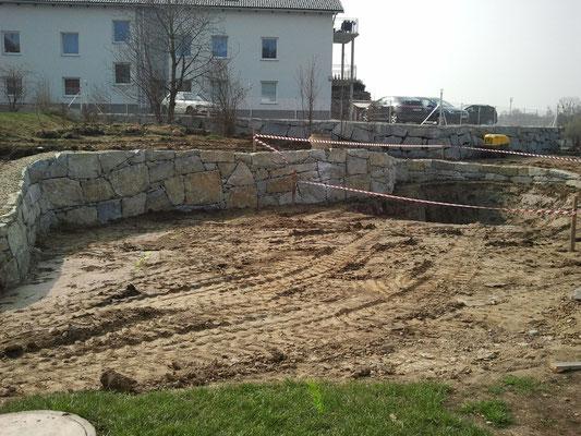 der Tiefbereich ca. 3 m íst ausgegraben