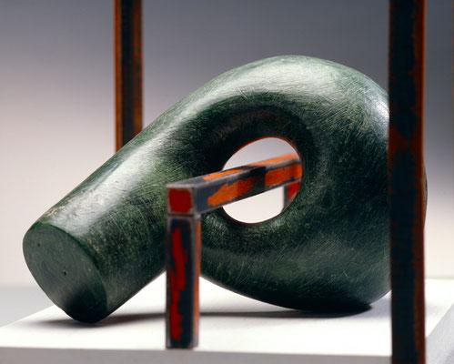 Modulo 4  das gefangen ist  2007, 21 x 38 x 26 cm,  ferro, cera, legno dipinto