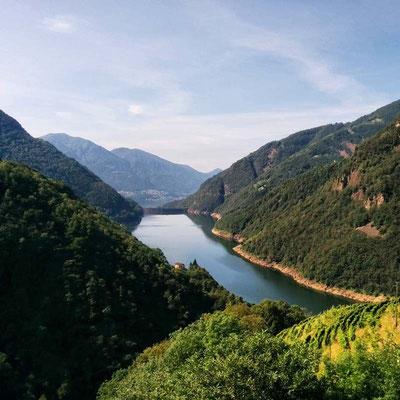 Lago di Vogorno verso sud