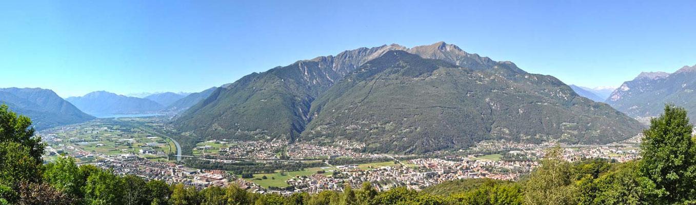 Panoramica sul locarnese e il bellinzonese dalla valle Morobbia