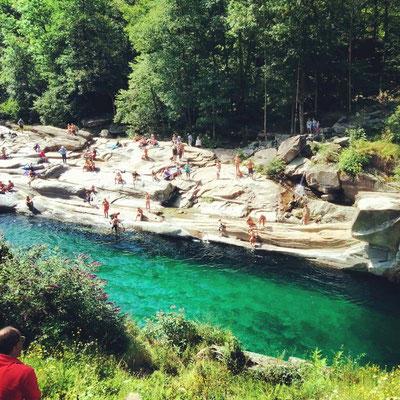 Il fiume Verzasca all'altezza di Lavertezzo