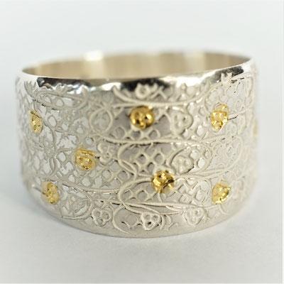 Ciselée croisillons/fleurs/points d'or fusionnés