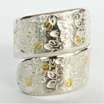 Double ciselée fleurs pétales/points d'or fusionnés