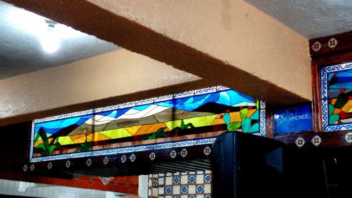 Vitral Iztacihuatl, en cinta de cobre, Salón Puebla, Col. Santa María la Ribera, México D.F.