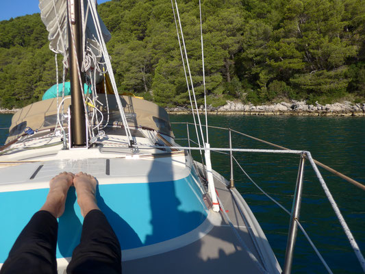 Polace: our first anchorage on Mljet/morning gymnasticy