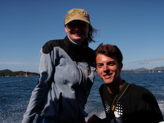 On a dive excursion in Bay of Islands: meeting friends and...