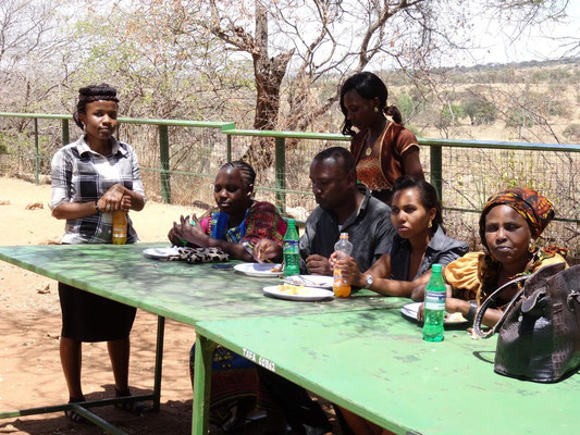 Teachers and staff members during the lunch break at Matete Picknick Spot.