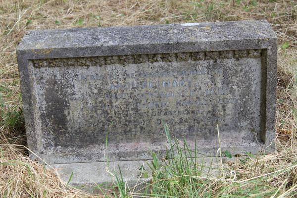 Grabstein von Caroline Luard