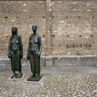 """Ravensbrück - """"Mauer der Nationen"""""""
