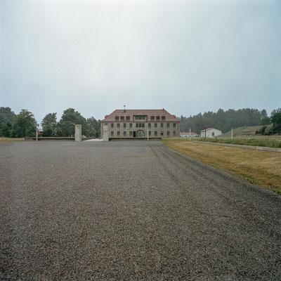 Flossenbürg - Apellplatz mit Kommandantur