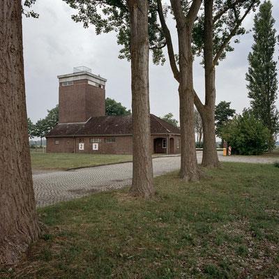 Neuengamme - SS-Hauptwache mit Wachturm