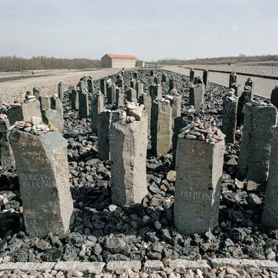 Buchenwald - Gedenksteine für die ermordeten Sinti und Roma