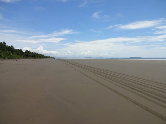 Las Lajas - 20 km of beach