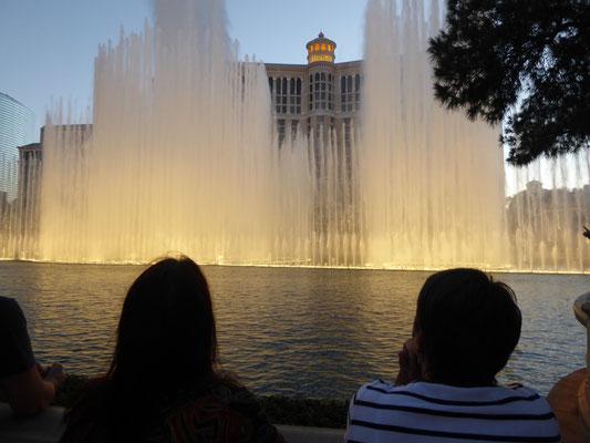 Las Vegas bei Nacht - Wassershow am Hotel Bellagio