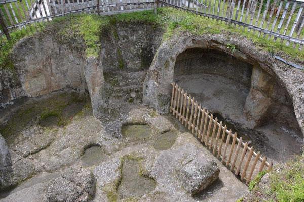 Ein eingestürztes Grab