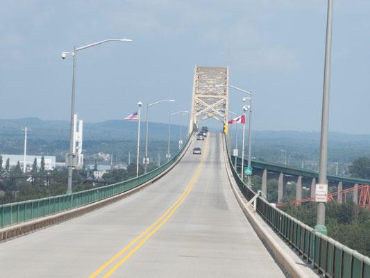 Grenzbrücke nach USA - Kanada