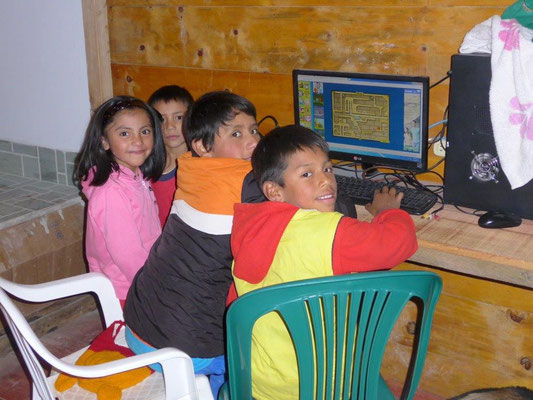 Kids love Computer games also in Colombia