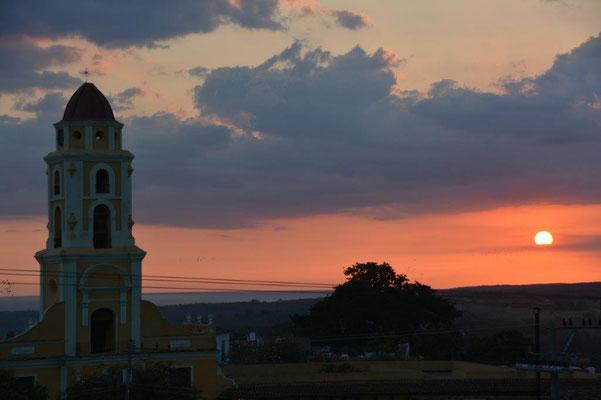 Sonnenuntergang auf unserer Dachterasse