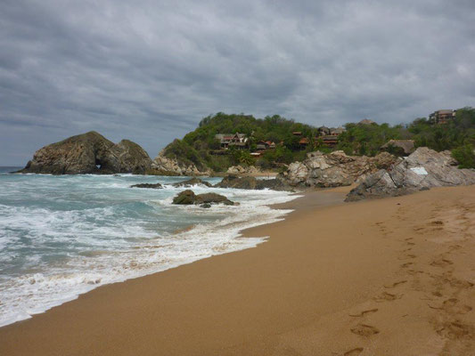 Beach of Zapolite