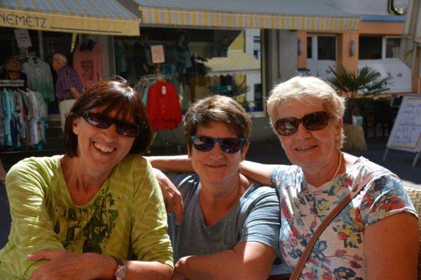 Karin mit ihren Freundinnen Moni und Margit in Radolfzell