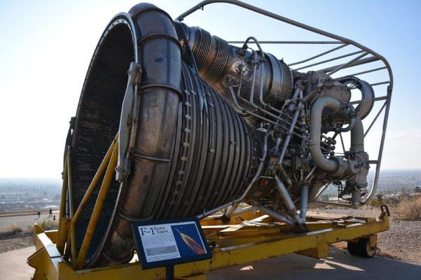 Im Aufzug vom Space History Museum
