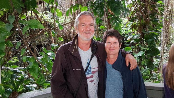 Biosphere 2 - Karin & Manni im Regenwald