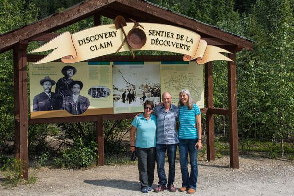 Karin mit Rita & Hermann am Discovery Claim